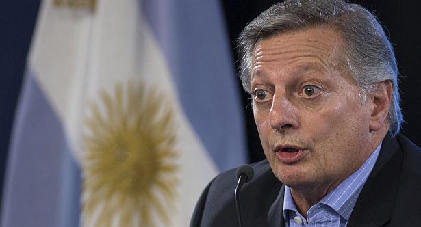 Un fiscal imputó a Aranguren por la compra de gas a Chile.