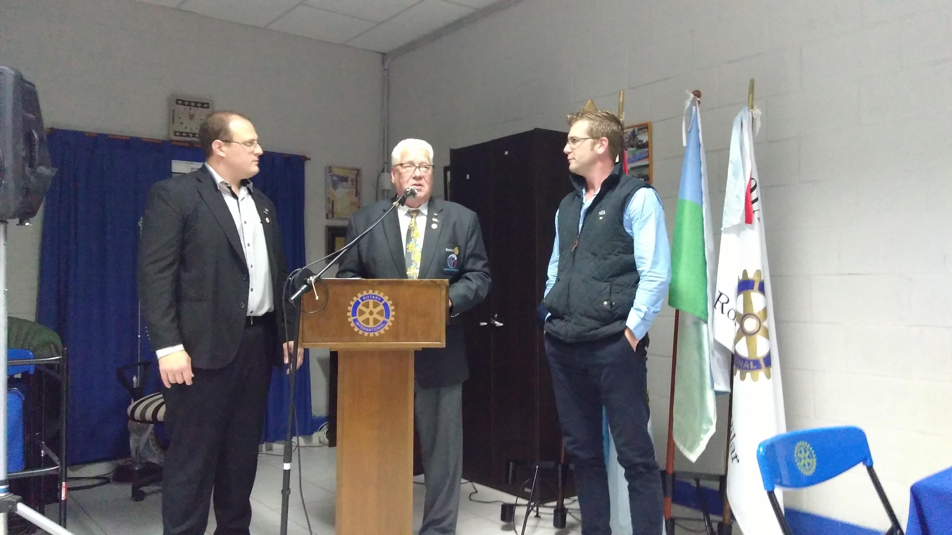 Recepción al Gobernador de distrito 4945 Henry Van Der Spoel