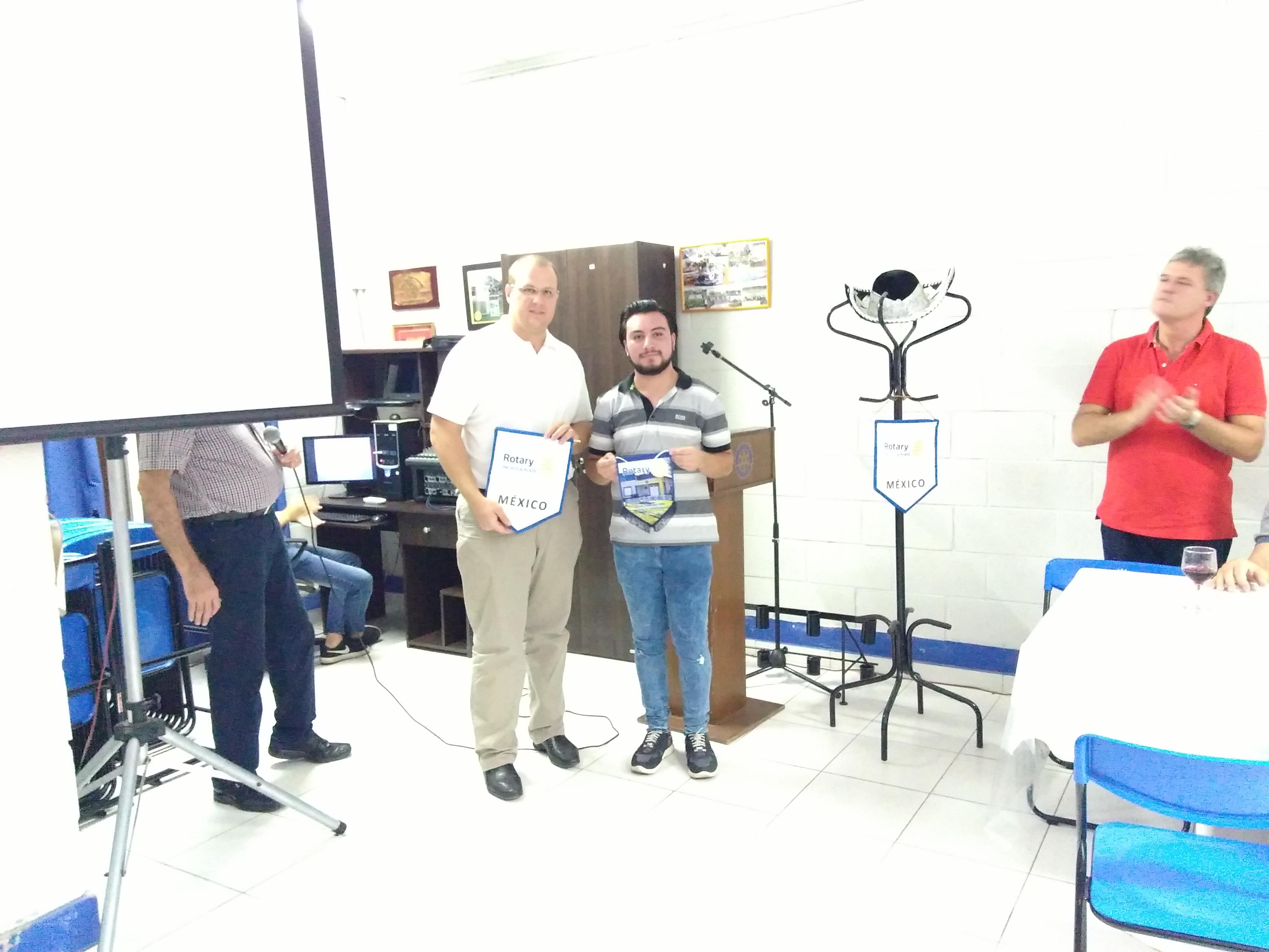 Rotary Club Pilar: Intercambios